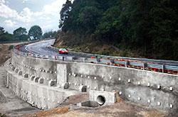 Estabilización de taludes y carreteras