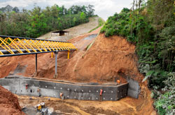 Muro Estatec, solución por fallas de carreteras